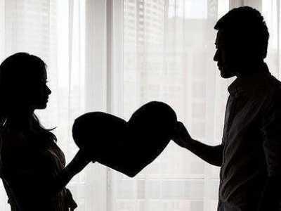 夫妻再怎幺吵架也不要分房睡 夫妻吵架分房睡的好吗