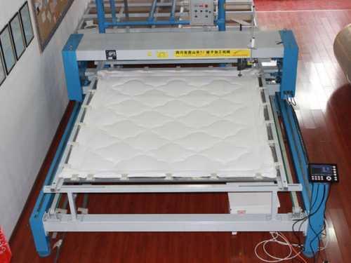 先进的大型自动化弹棉花加工厂弹花机配置方案 弹棉花的设备
