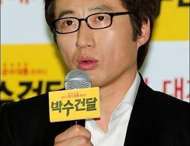 韩星朴信阳宣布放弃出演新剧iron man 韩星朴信阳女儿的照片