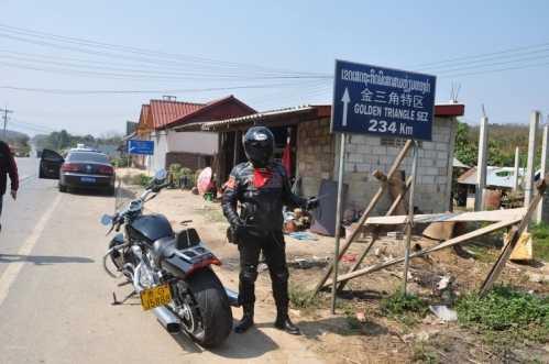 关于出关手续证件/路况/违章处理/食宿/电话通讯 老挝自驾游攻略