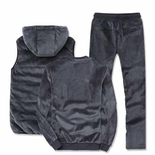 尽量多穿这种休闲套装 40岁女人能穿运动装吗